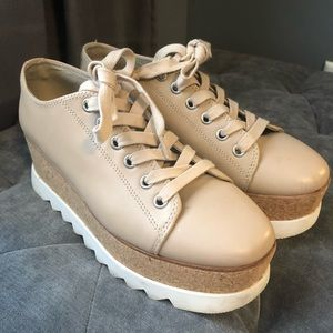 Good condition preowned steve madden shoes